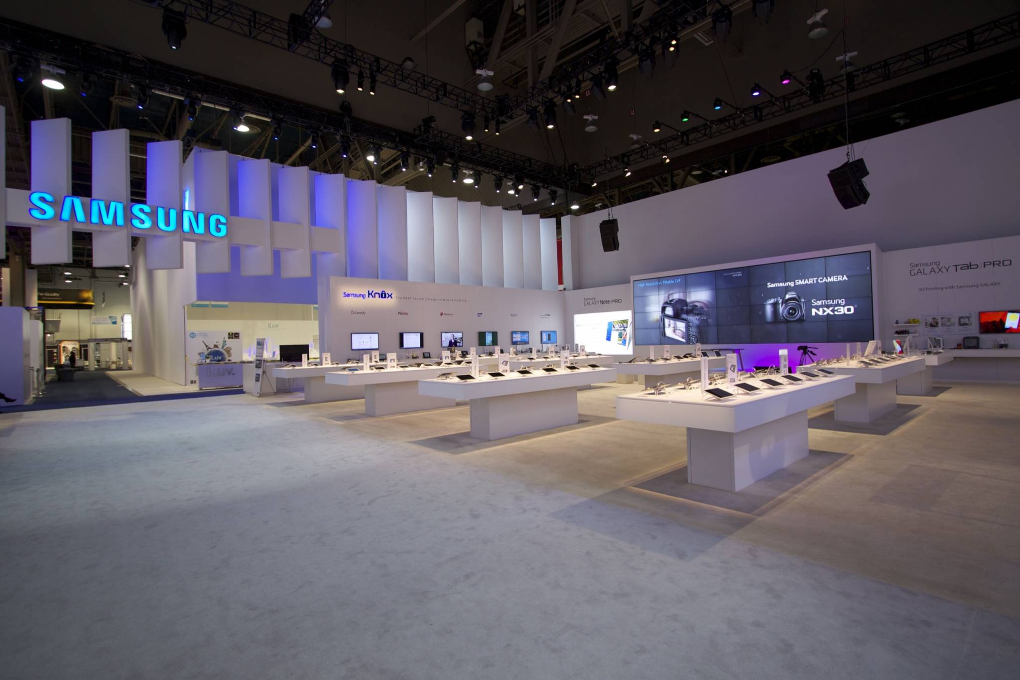 Exhibition Stand Display Lighting : Ces samsung exhibit fine design associates